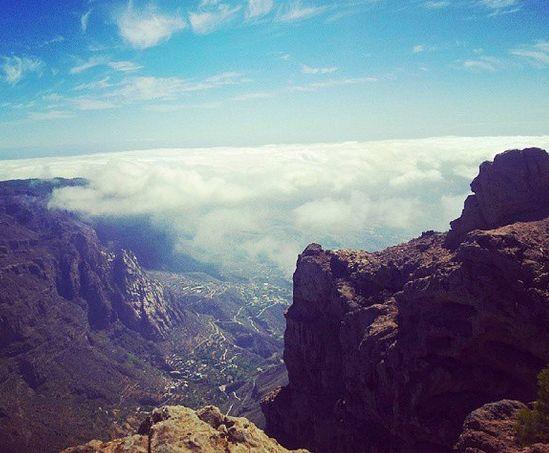Hvis du kan lide at vandre, så skal du helt sikkert tage med en tur op i bjergene. Det højeste punkt er Pico de la Nieves, som er 1949 meter. Se den skønne udsigt! www.apollorejser.dk/rejser/europa/spanien/de-kanariske-oer/gran-canaria