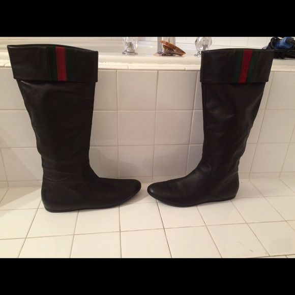 Gucci boots size 40 red green Preloved Gucci boots sz 40.  Only worn a few time in excellent condition! Gucci Shoes Winter & Rain Boots