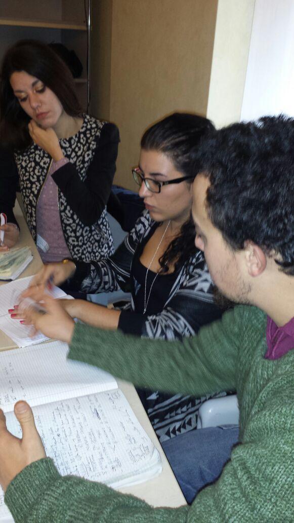 Prova pratica di teamworking per lo sviluppo di una presentazione aziendale...brief sul prodotto!