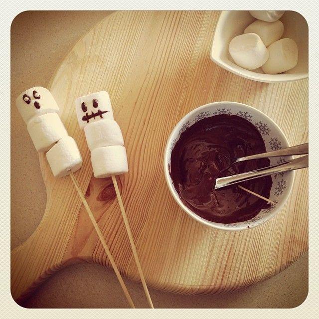 Marshmallow e Cioccolato per Halloween? Un must ! – Maghetta Streghetta  #halloween #marshmallow #cioccolato