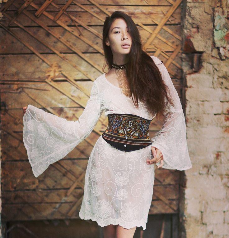 Наш сегодняшний образ говорит о женской свободе! О том, что не нужно бояться экспериментов и самовыражения в поисках своего стиля. Примеряйте на себя разные амплуа вместе с корсетами #nadiapiskun 😉 #надяпискун #nadiapiskunofficial #стиль #corset #эксклюзив #пошивназаказ #korset #корсет #талия #дизайнеродежды #корсеты #нижнеебельеручнойработы #тонкаяталия #beautybody #быстропохудеть #корректирующеебелье #idealbody #утяжка #утягивающийкорсет #похудетьэффективно #corsetmaking…