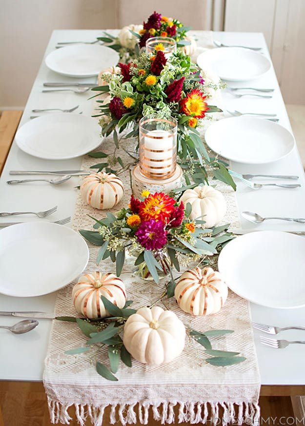 Delightful Fall Tablescape | 20 Thanksgiving Table Settings to WOW Your Guests - Thanksgiving Decorations by Pioneer Settler at http://pioneersettler.com/thanksgiving-table-settings-thanksgiving-decorations/
