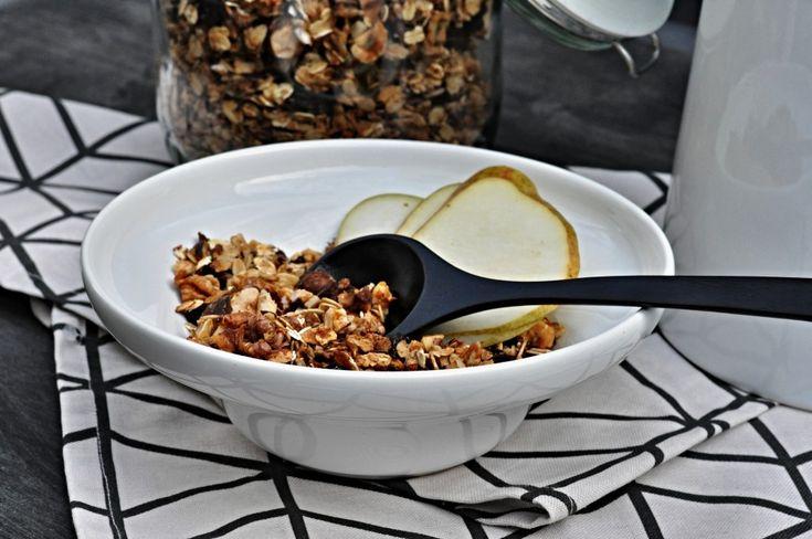 Kitchen story | Domácí ořechová granola | http://www.kitchenstory.cz