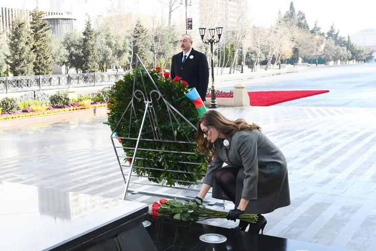 Prezident Ilham əliyev Və Birinci Xanim Mehriban əliyeva Xocali Soyqirimi Abidəsini Ziyarət Ediblər Ictimai Siyasi Media Portali In 2021