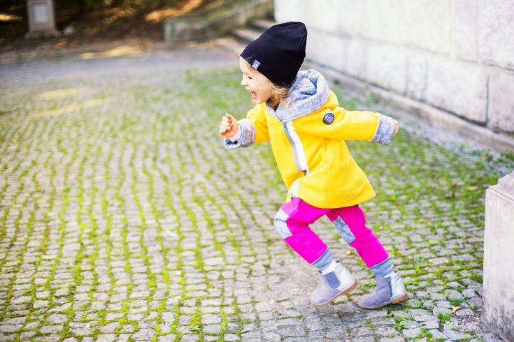 Dwustronna/dwuwarstwowa Black to idealne rozwiązanie na jesienne spacery. Jedna strona gładka, druga w autorski nadruk w małpki na szarym tle.  Miapka Design to rewolucja w świecie kurteczek dla Maluszków. Marka stworzona z myślą o najmłodszych, których wygoda jest dla mam bardzo ważna. chłopcy, dziewczynki, czapki