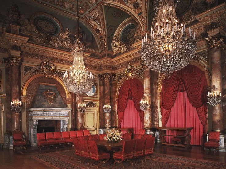 Newport Mansion The Breakers Dining Room Chandeliers ...