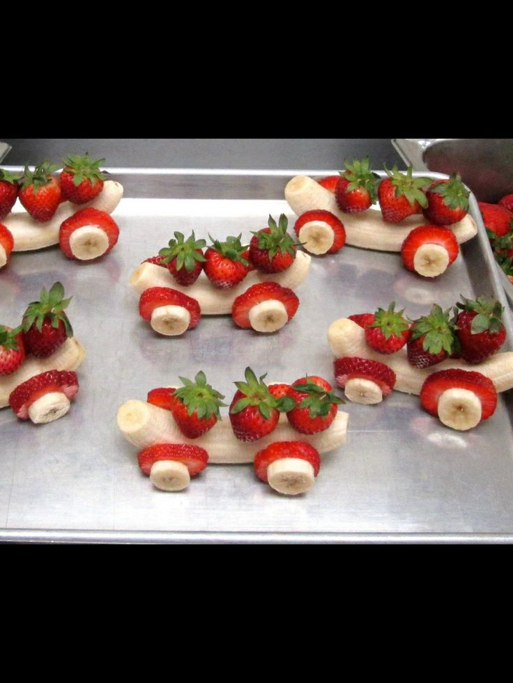 Banana cars-really don't see it happening in the Dunlavy kitchen but damnnnn they are cute!!