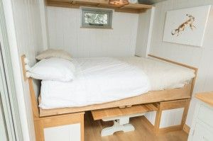 View our extensive gallery of photos, pictures and images of our Blackdown Shepherd Huts. UK shepherd hut makers, luxury living spaces.