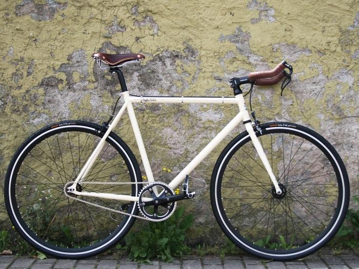Stylish Singlespeed Bike with Brooks Parts