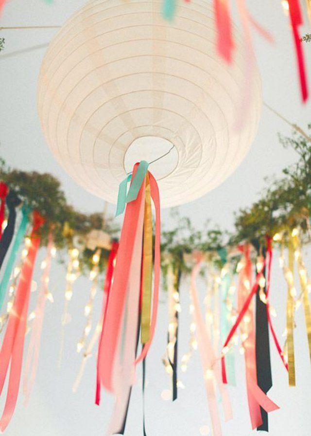 Des rubans et des lampions en couleur