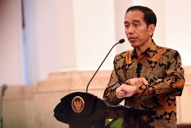 Saat Jadi Wali Kota Solo Jokowi Kalah Jauh dengan Wali Kota Tangerang Wahidin Halim http://news.beritaislamterbaru.org/2017/07/saat-jadi-wali-kota-solo-jokowi-kalah.html