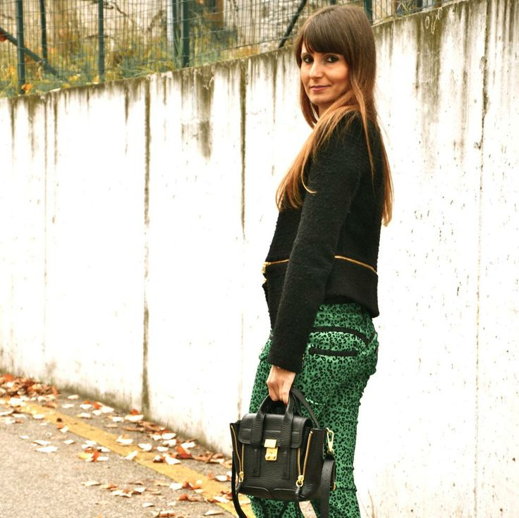 the #Italian #fashionblogger @Lucy Diegoli wears #lerock #pants #animalprint #leopardato #madeinitaly