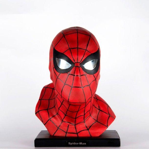 """Buste Spiderman """"the Amazing Bust"""" d'Alex Ross, tirage limité N°2949/4000, Socle: 26x17 cm, Hauteur totale: 35 cm (boite d'origine) Vente aux #encheres en ligne du 30/04/14 par ArtCurial Lyon"""