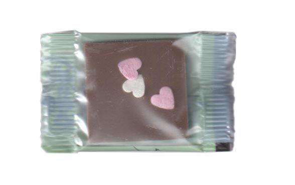 Bovetti 1kg. Minitablete de ciocolata cu lapte si inimioare fondante