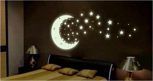 Spacenerds opgelet! We hebben namelijk hèt idee voor in de kinderkamer gevonden waar jij en je kind al die tijd op hebben gewacht. Tover de muren en het plafond om tot een heelal en maak met glow in the dark verf de mooiste sterrenhemel van de wereld! Glow-in-the-dark verf is een decoratieve verf, die je […]