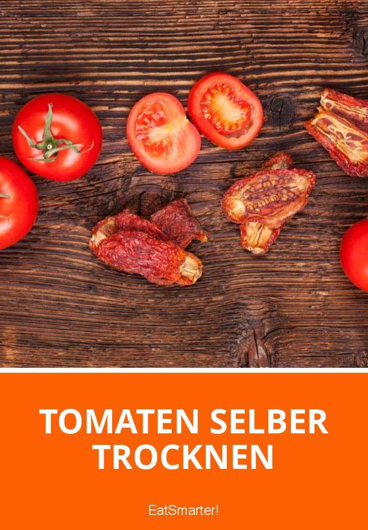 So kannst du ganz einfach Tomaten selber trocknen | eatsmarter.de