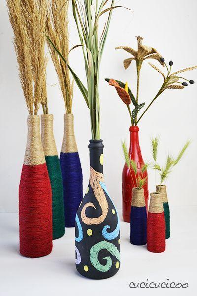 Crea due vasi fai-da-te personalizzati e costo zero per la Festa delle Mamme con materiali di recupero: riciclo creativo con bottiglie di vetro, colla e pittura! Un tutorial di http://www.cucicucicoo.com #riciclocreativo