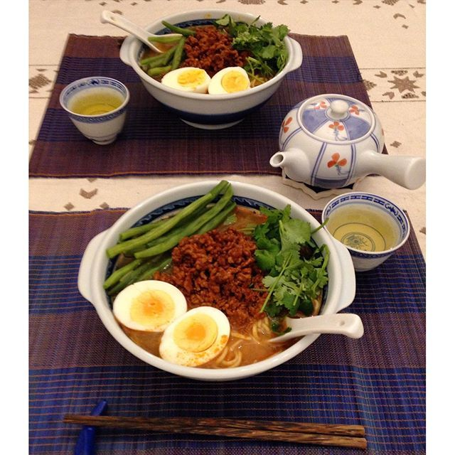 lifeinbucksSpicy noodle dish with spicy pork, green beans and eggs  Cooked pork with Korean chilli bean paste, sake rice wine and soy sauce. 今夜は担々麺!パクチョイがなかったのでいんげんで。#food #foodie #foodporn #spicy #noodle #chilli #pork #sake #egg #greenbean #dinner #chinese #担々麺 #ラーメン #豚ひき肉 #豆板醤 #酒 #いんげん #卵 #おうちごはん #夕飯 #夕ご飯 #晩ご飯 #暮らし