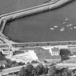 West Pier, Dun Laoghaire, Dublin, Ireland, 1948. Oblique aerial photograph taken facing North. (www.britainfromabove.org.uk)