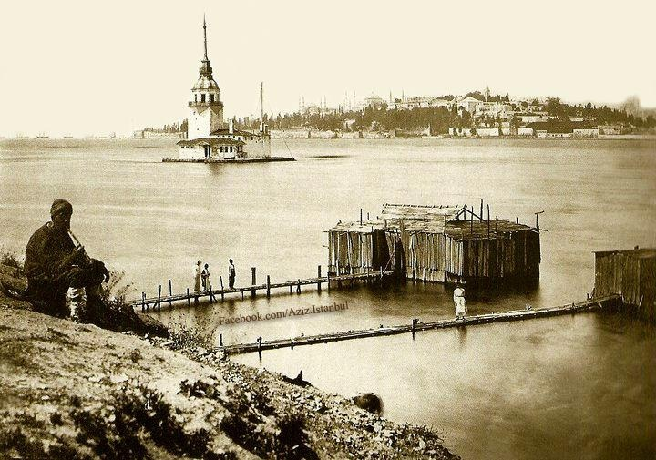 Old photo of Istanbul from Salacak. Maiden's Tower (Kız Kulesi), Blue Mosque, Hagia Sophia & Topkapi Palace.