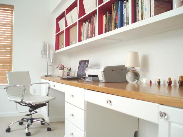 Two desks in one, with pretty drawer nobs. From Decorpad.: Offices Desks, Built In, Offices Spaces, Design Interiors, Shelves, Offices Ideas, Small Home, Small Spaces, Home Offices