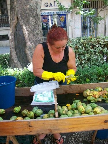 Street vendors in Granada