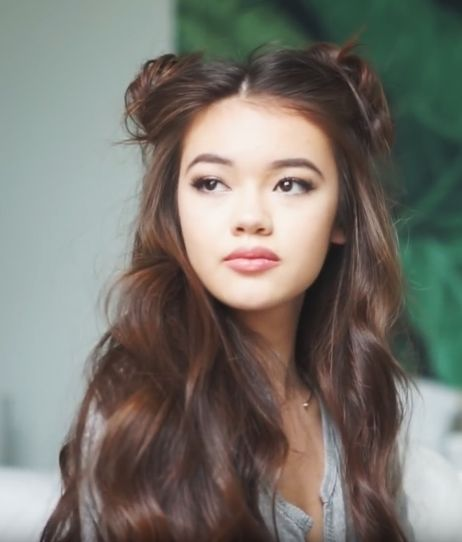 space bun hair (by Vivian V)