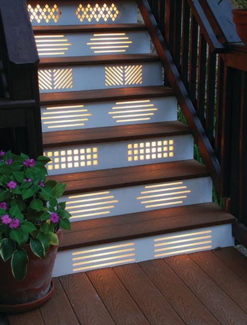 moderne Außentreppe mit Beleuchtung indirekt holz stufen