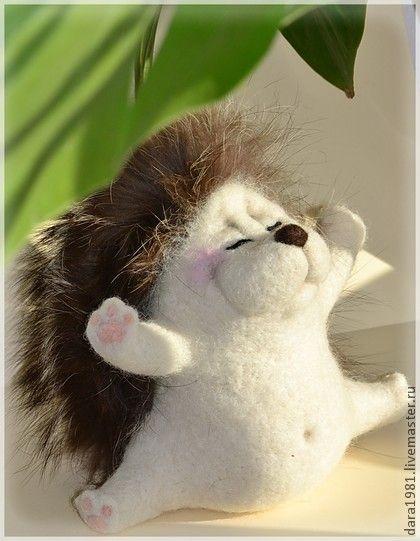 Ежик Мечтун - бежевый,ежик,ежики,ежи,игрушка ручной работы,игрушка из войлока
