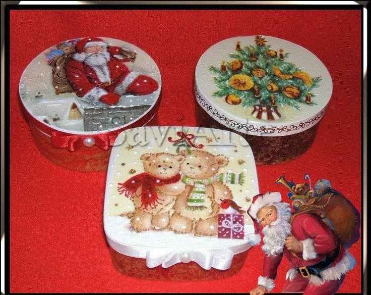 Caixas com motivos natalinos