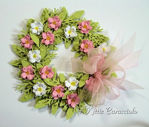 How to make wreaths using punches. 2 more punches I NEED