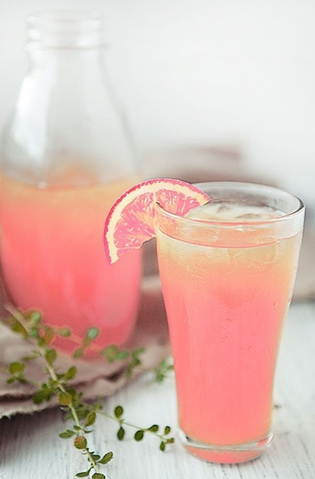 Peach lemonade makes the perfect non alcoholic fizz for both child and adult birthday drinks! Sweetly goodness!