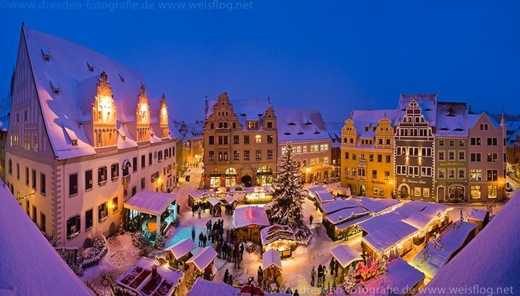 Delightful When Are The Christmas Markets In Germany #1: D949b7fd60cb570133424404bf00a08f--german-christmas-markets-beautiful-christmas.jpg