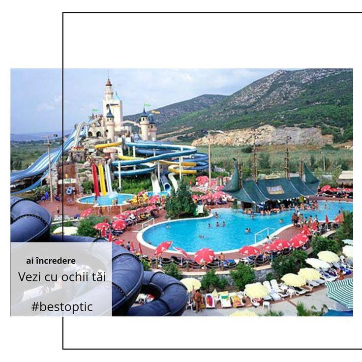 Aqua Fantasy este cel mai cunoscut parc acvatic din Turcia și poate distra 5000 de vizitatori zilnic, cu ajutorul toboganelor, piscinelor cu valuri, dar și al bazinelor pentru copii. Arhitectura este una deosebită și seamănă cu cea medievală - are castele, turnuri și scări de unde cei mai curajoși pot sări în apă. Pe toata durata vacanței, spectacolele de animație vă vor distra, iar copiii vor fi cei mai fericiți. Un loc #devazut cu ochii tăi!  #bestoptic #vacanta #familie #copii