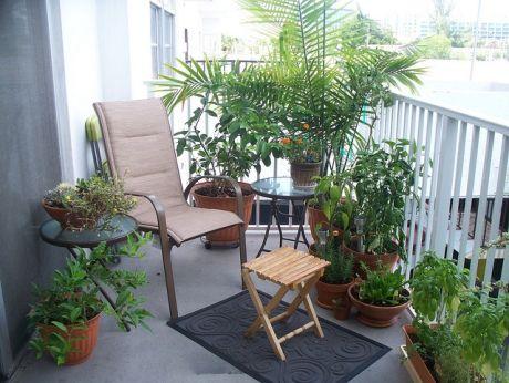 Peque os jardines balcones buscar con google peque os for Jardines verticales en balcones