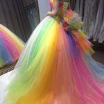 赤、橙、黄、緑、青、藍、紫の7色の#虹色 を取り入れた#ドレス🎈🌈 細かい#スパンコール で全身キラキラ✨✨ 🌈ドレス品番☞#LD3600 #レインボードレス#colordress#お色直しドレス#お色直しドレス#虹色ドレス#グラデーションドレス#カラードレス