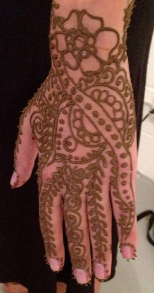 Behind the scenes of our #henna photo shoot!