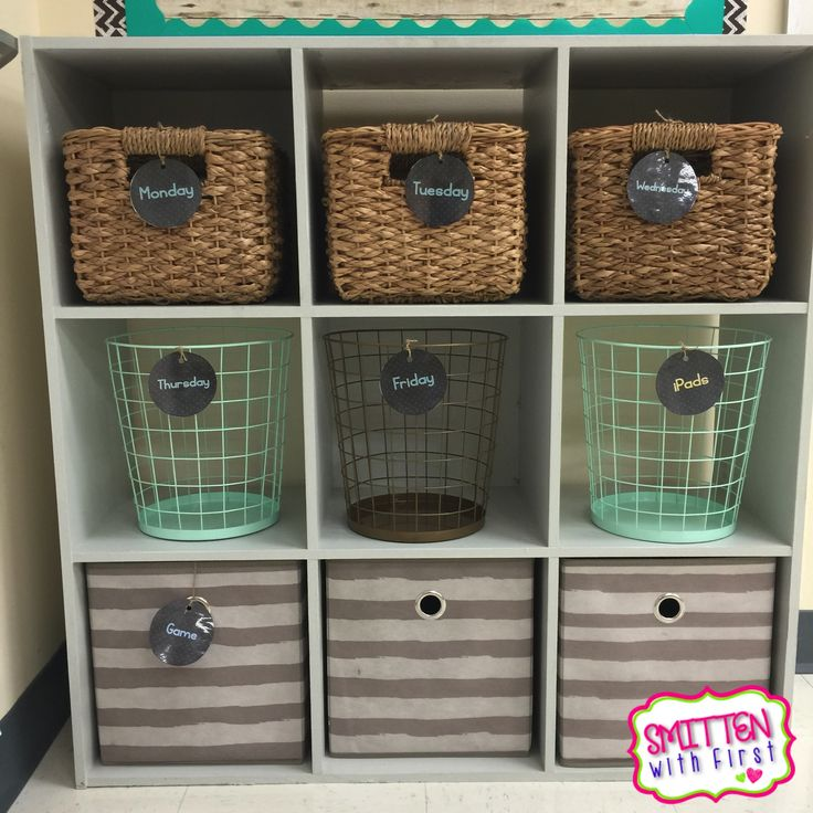 Smitten with First: Classroom Tour with lots of FREEBIES!