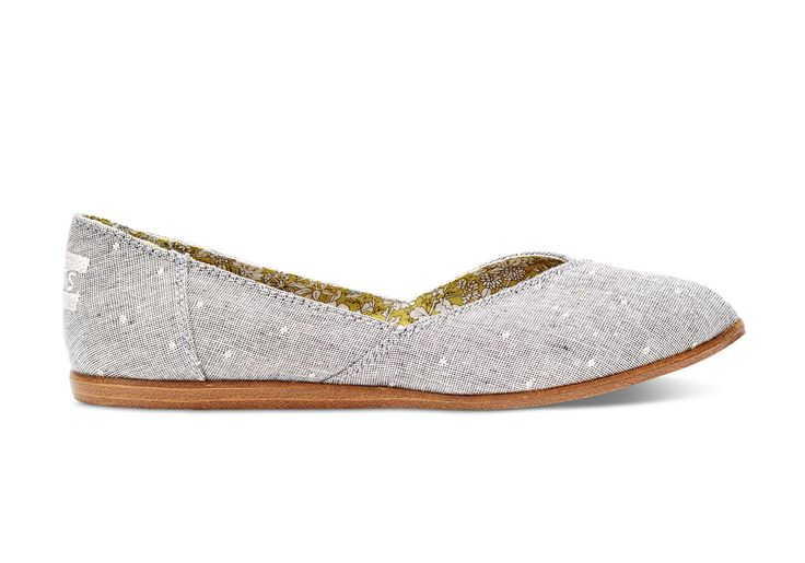 Need something you can wear with just about anything? Meet the Jutti. Featuring just the right amount of pattern to make it pop, this flat is a gre...