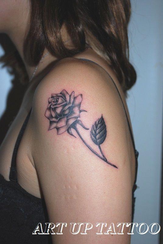 大好きなバラのタトゥー  #tattoo #tattoos #tattooart #tattooist #tattooshop #art #bodyart #ink #blackandwhite #FineRhine #Plant #rose #タトゥー #タトゥースタジオ #インク #アート #ボディアート #アートアップタトゥー #ブラックアンドグレイ #バラ #植物 #ファインライン #東京タトゥー #日野タトゥー #祐 #女性 #女性彫師