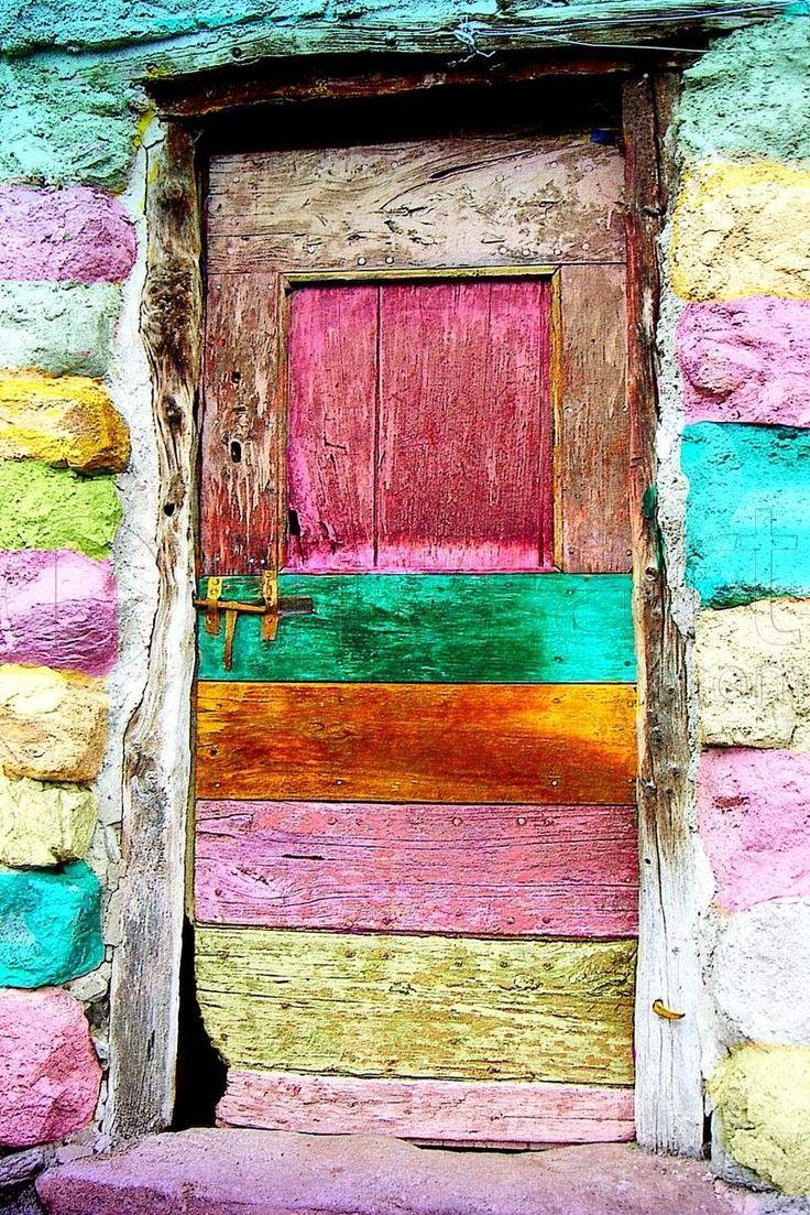"""""""La gratitude est la porte ouverte à la puissance, la sagesse, la créativité de l'Univers"""". par Deepak Chopra Alors mes ami(e)s, permettez vous l'ouvrir cette porte du Bonheur ...."""