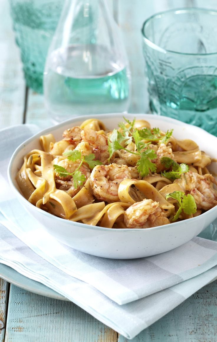 Tagliatelle with a Creamy Prawn & Chilli Sauce: sizzling-hot, sexy food for #ValentinesDay! #Knorr