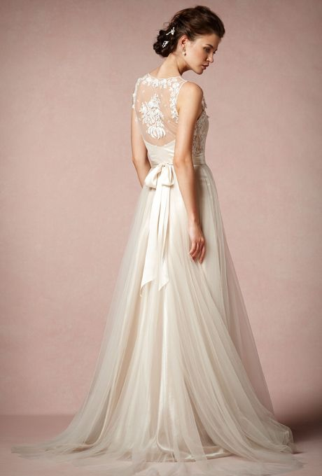 Long Empire Tulle Lace A Line Sleeveless V Neck Wedding Dress