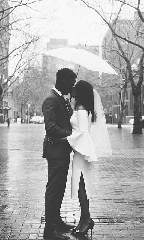 35 courthouse wedding photos that will melt your heart (courthouse wedding ideas + photography inspiration)
