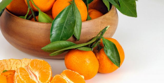 Proč byste nikdy neměli vyhazovat slupky od mandarinek?