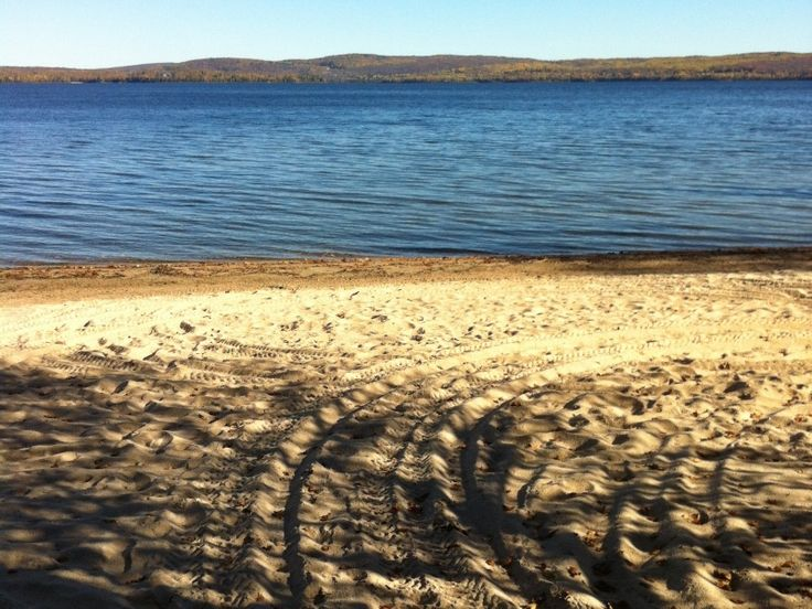 Chalet à louer au lac Nominingue à Nominingue, Laurentides - Hautes-Laurentides #chalet #laurentides #hauteslaurentides
