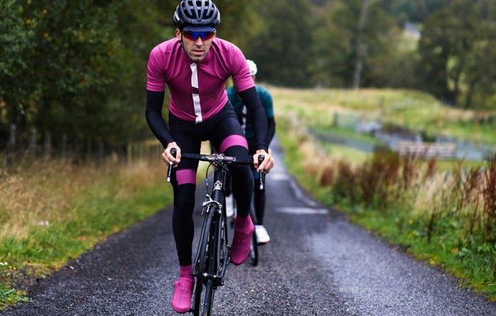Cuissard Déperlant Jeanne Noir & Framboise | Café du Cycliste