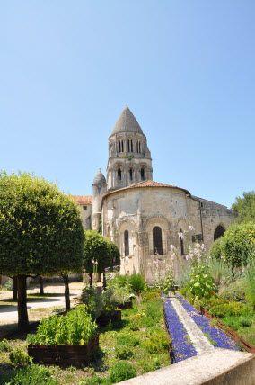 L'Abbaye aux Dames, Saintes, 17