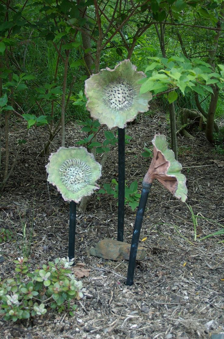 Flowers Maureen Allison - Ceramic & alkathene Sculpture-in-the-Park 2006 Waitakaruru Arboretum Hamilton New Zealand - 3 Nov 2006 - gillandtuan Photography