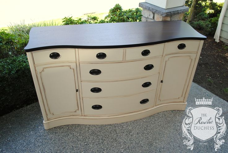 Buffet done in #GeneralFinishes Linen with Van dyke Brown #Glaze.  The top was done in #JavaGel and the harware was redone in oil rubbed bronze.  #Furniture  #Painting #ShabbyChic